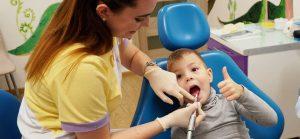 Що робити з зубами вашого малюка?